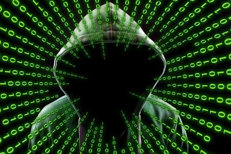 Kybermaailman uhka- ja riskiympäristö